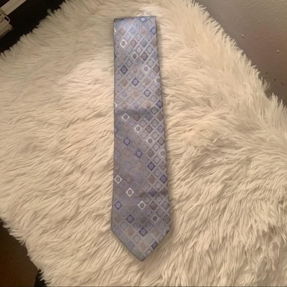 ✨ 4 for $16 Michael Kors Tie!